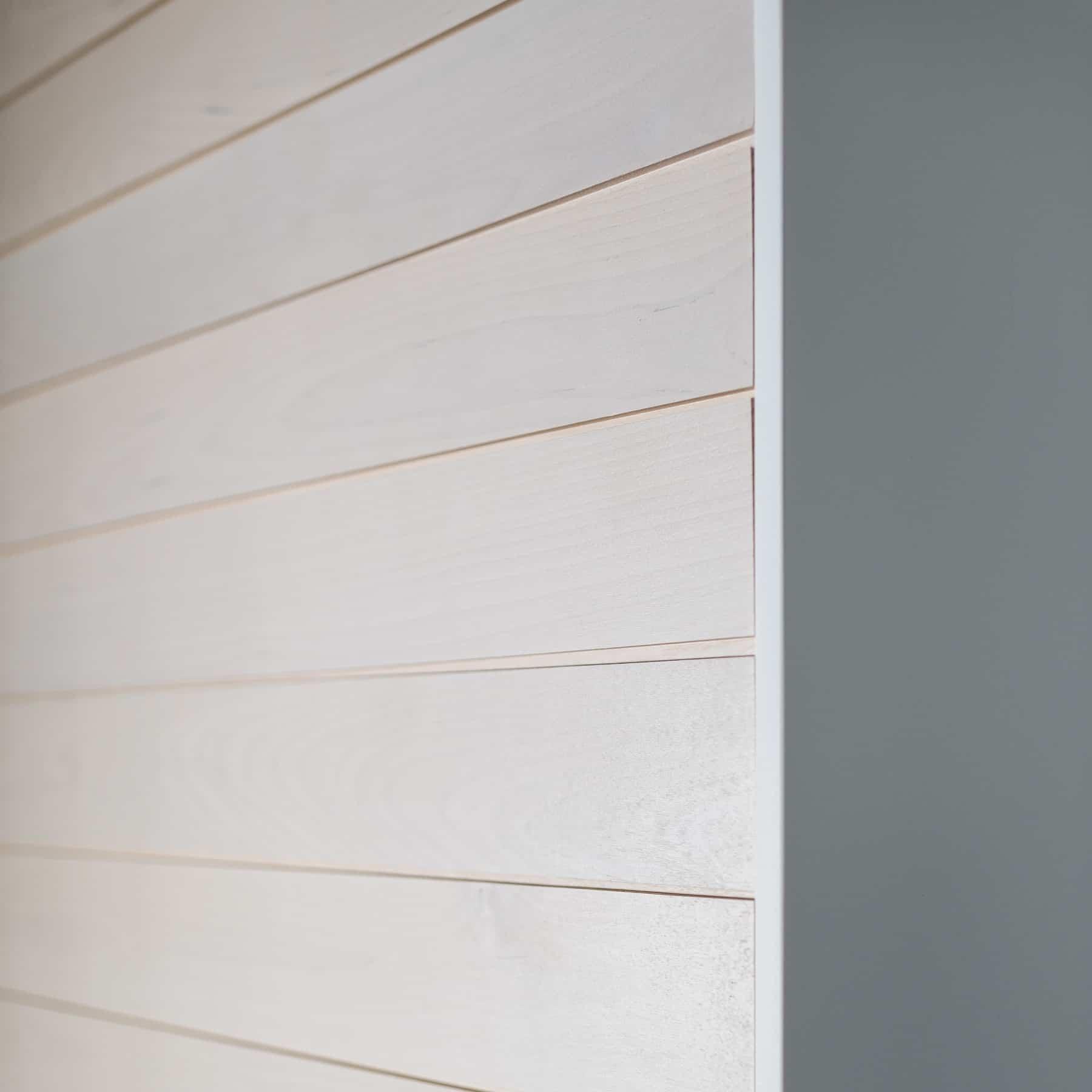 KOO sisustuspaneeli, sävy: kuultava valkoinen koivu