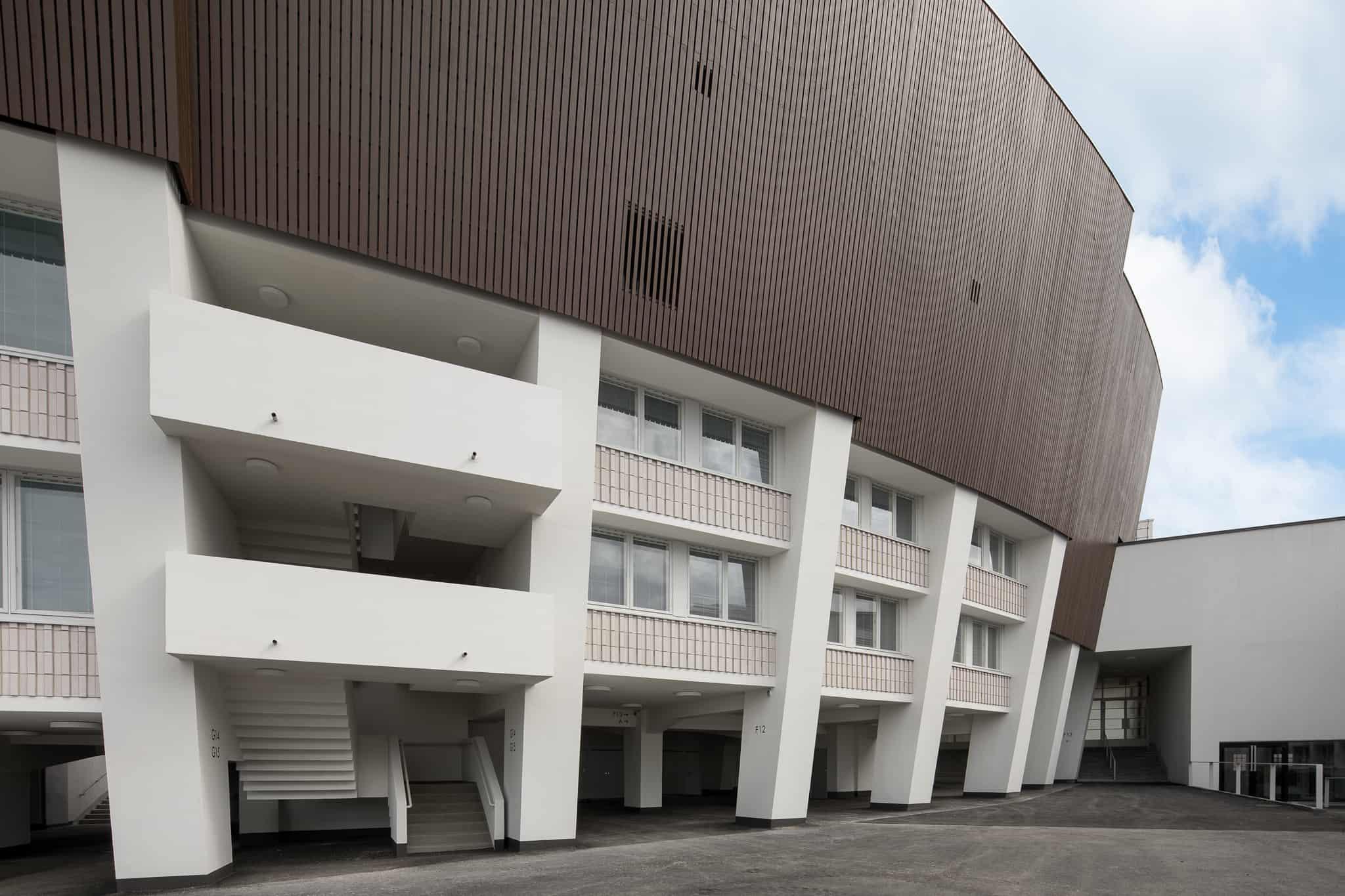 Olympiastadionin julkisivu on suomalaista kuusta